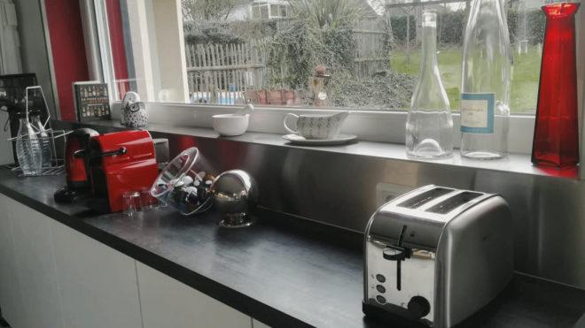 Crédence, fond de hotte, plaque de cuisson : la découpe laser inox au service de votre cuisine